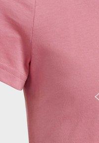 adidas Performance - Print T-shirt - pink - 5
