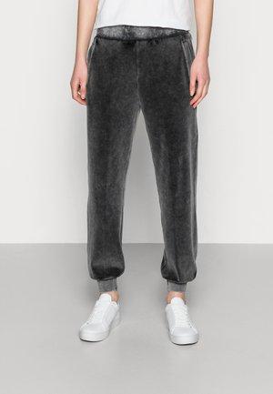 WASH PANT - Teplákové kalhoty - black