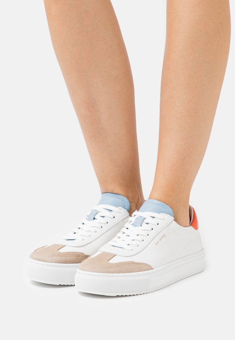 Pavement - CAMILLE - Sneakers laag - white/orange