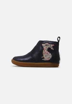 BOUBA PIMPIN - Classic ankle boots - blue/platine