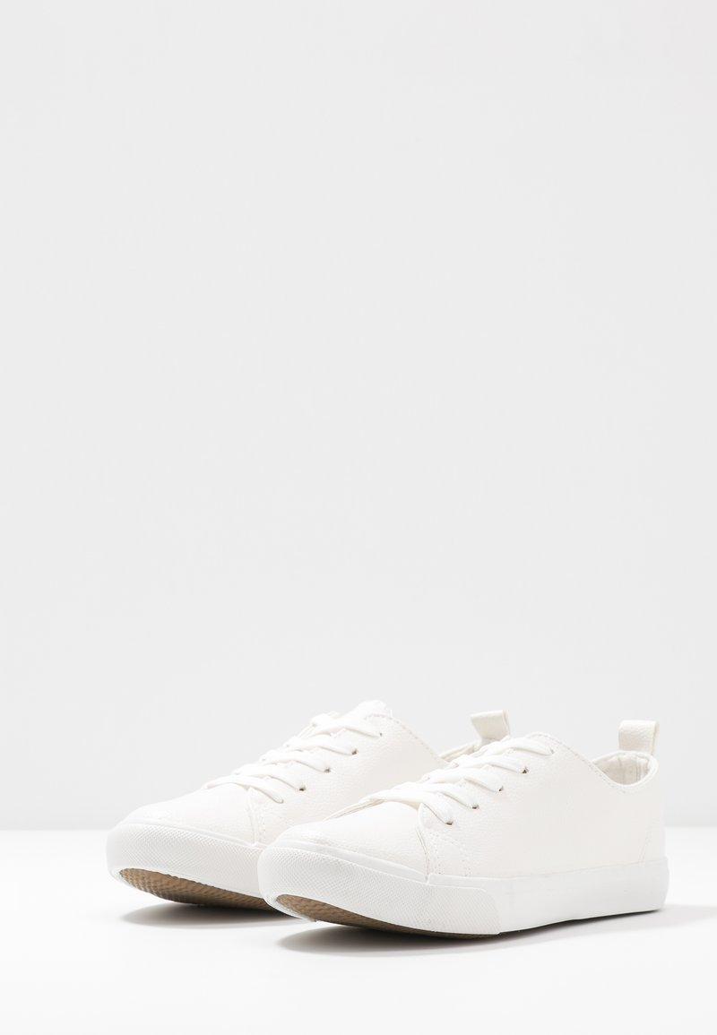 MOGUEL   Sneaker low   white