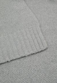 Pier One - UNISEX SET - Scarf - light grey - 4