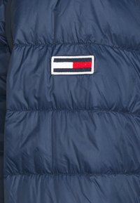Tommy Jeans - PACKABLE LIGHT JACKET - Daunenjacke - twilight navy - 6