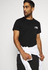 The North Face - BERKELEY CALIFORNIA POCKET TEE - Print T-shirt - black - 3