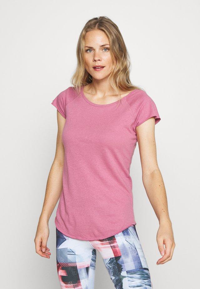 MAHASAYA - Basic T-shirt - malaga