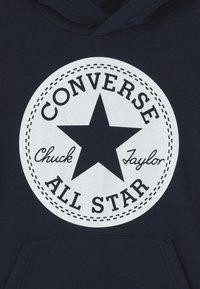 Converse - SIGNATURE CHUCK PATCH HOODIE - Sweat à capuche - obsidian - 2