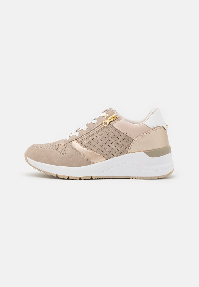 DIANA - Sneakers laag - gold