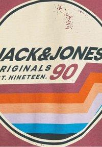 Jack & Jones - JORTYLER TEE CREW NECK  - Print T-shirt - hawthorn rose - 5