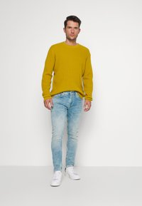 Pepe Jeans - FINSBURY - Slim fit jeans - light-blue denim - 1