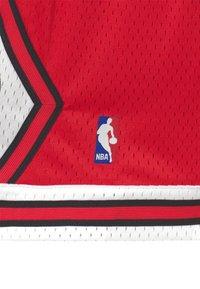 Mitchell & Ness - NBA CHICAGO BULLS UNISEX - Klubbkläder - red - 2