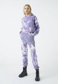 PULL&BEAR - Bluza z kapturem - purple - 1