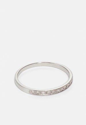 HANDMADE HALF ETERNITY - Ring - white