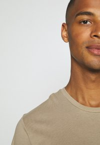 Burton Menswear London - TEE 3 PACK - T-shirt basic - multi - 5