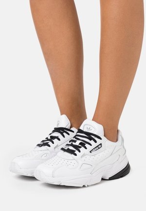 Trainers - footwear white/core black