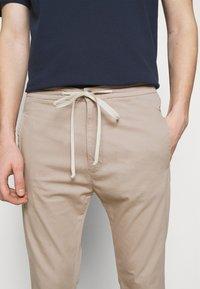 DRYKORN - JEGER - Trousers - beige - 6