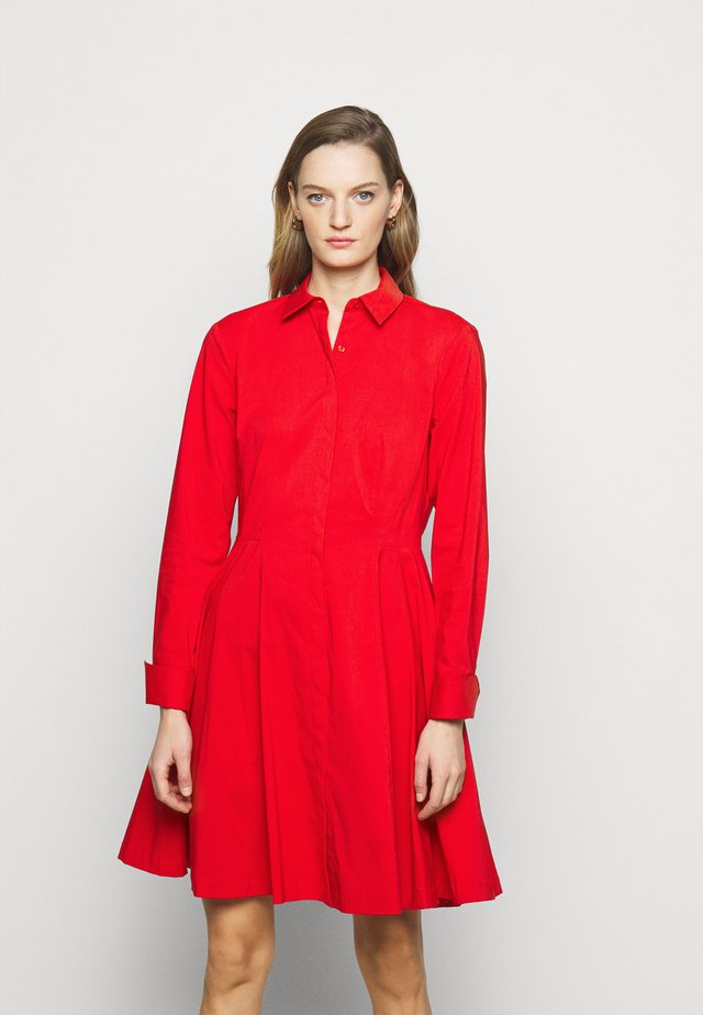 EXCLUSIVE BLOUSE DRESS - Blousejurk - flash red
