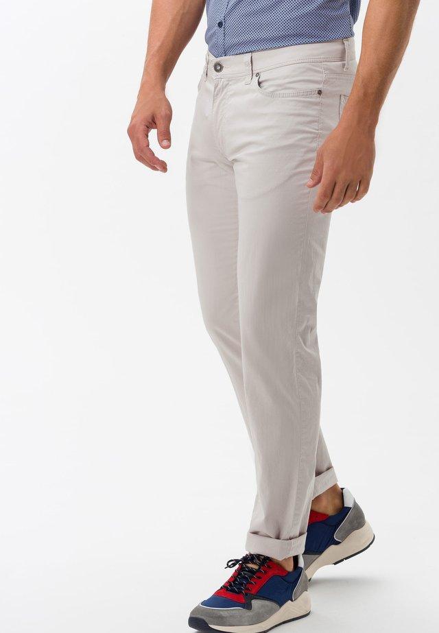 STYLE CADIZ - Slim fit jeans - sand