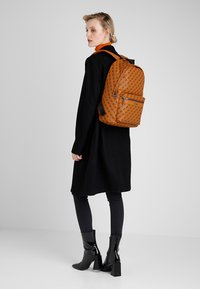 Guess - CITY LOGO BACKPACK - Rucksack - orange - 6