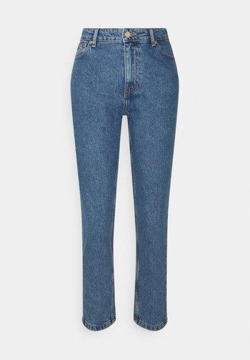 ONLJAGGER LIFE HIGH MOM - Straight leg jeans - medium blue denim