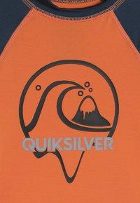 Quiksilver - BUBBLE DREAM BOY - Rash vest - nectarine - 4