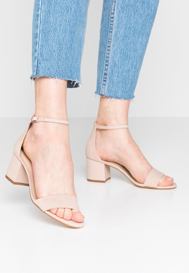 WIDE FIT VILLAROSAW - Sandalias - blush nude