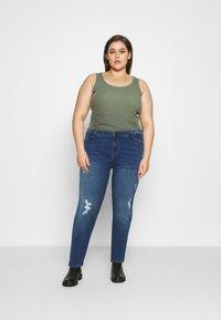 Vero Moda Curve - VMHANNA - Jeans Skinny Fit - medium blue denim - 1