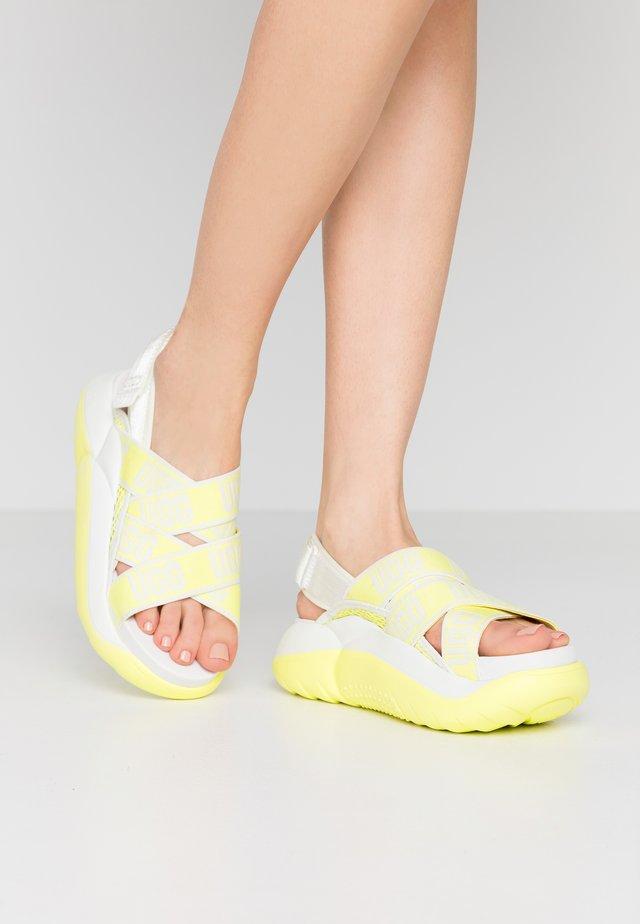 LA CLOUD  - Korkeakorkoiset sandaalit - yellow