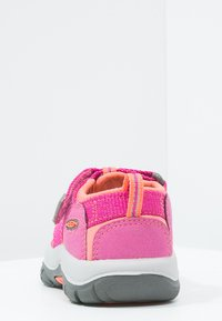 Keen - NEWPORT H2 - Walking sandals - very berry/fusion coral - 3