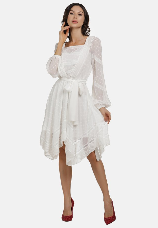 KLEID - Denní šaty - white