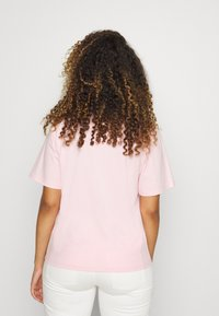 Juicy Couture - JUICY TRUST - T-shirt print - alomd blossom - 3