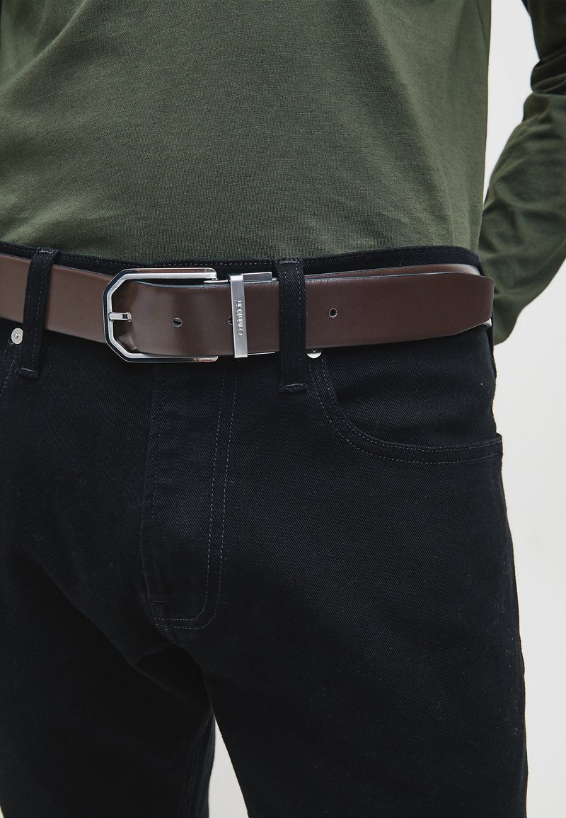 Calvin Klein - REVERSIBLE - Belt - black/dark brown