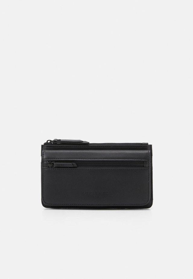 PALAYLA - Wallet - black