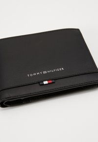 Tommy Hilfiger - BUSINESS LEATHER EXTRA COIN - Wallet - black - 2