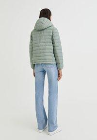 PULL&BEAR - Winter jacket - light green - 6