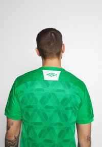 Umbro - CHAPOCOENSE HOME - Pelipaita - green/white - 5