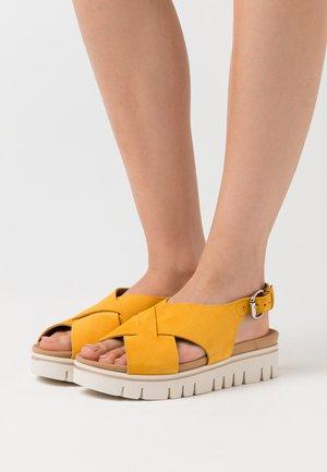 Plateausandaler - mango
