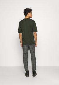AllSaints - BENNETT TROUSER - Trousers - grey marl - 2