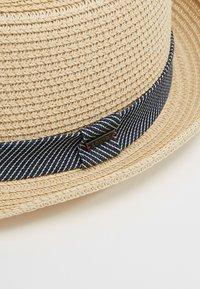 Levi's® - FEDORA - Hat - sand - 6