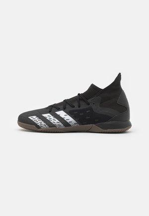 PREDATOR FREAK .3 IN - Chaussures de foot en salle - core black/footwear white
