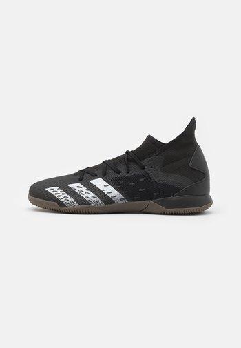 PREDATOR FREAK .3 IN - Indoor football boots - core black/footwear white
