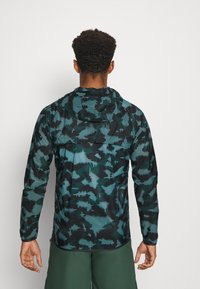 Under Armour - RUN ANYWHERE STORM  - Training jacket - lichen blue - 2