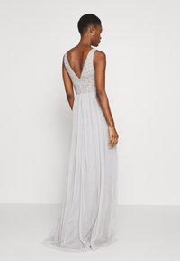 Lace & Beads Tall - MUMULAN MAXI - Galajurk - light grey - 2
