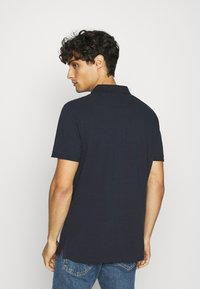 TOM TAILOR - WITH CONTRAST - Polo shirt - dark blue - 2