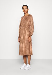 Second Female - TOVE DRESS - Maxi šaty - ginger root - 3