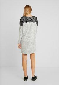Vero Moda - VMBLIMA BOATNECK DRESS - Jumper dress - light grey melange/black - 2