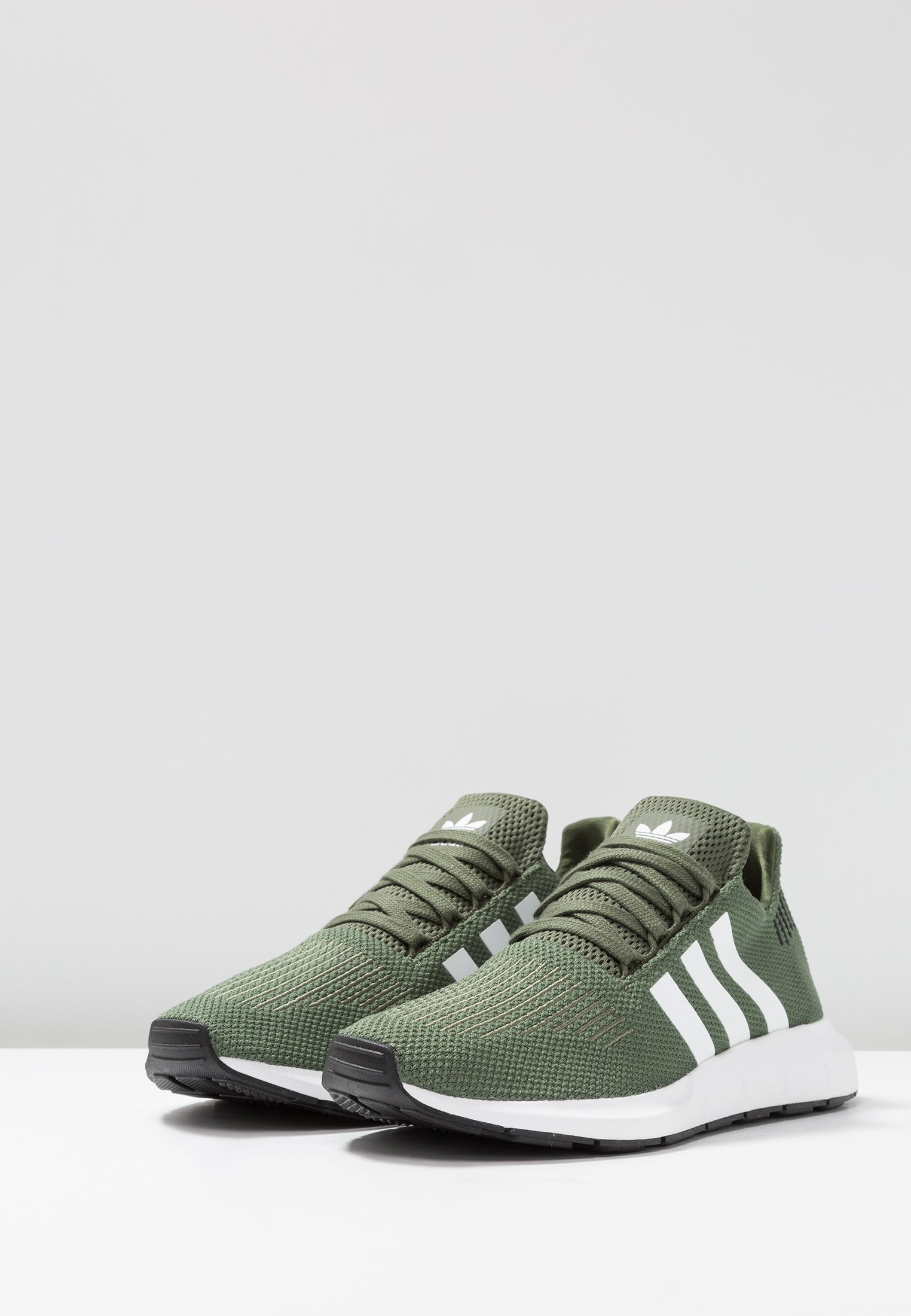 adidas Originals SWIFT RUN Sneaker low base green/footwear white/core black/oliv