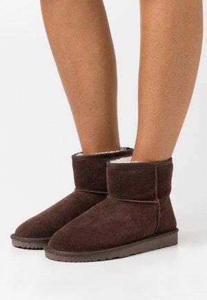 LEATHER - Vinterstøvler - dark brown
