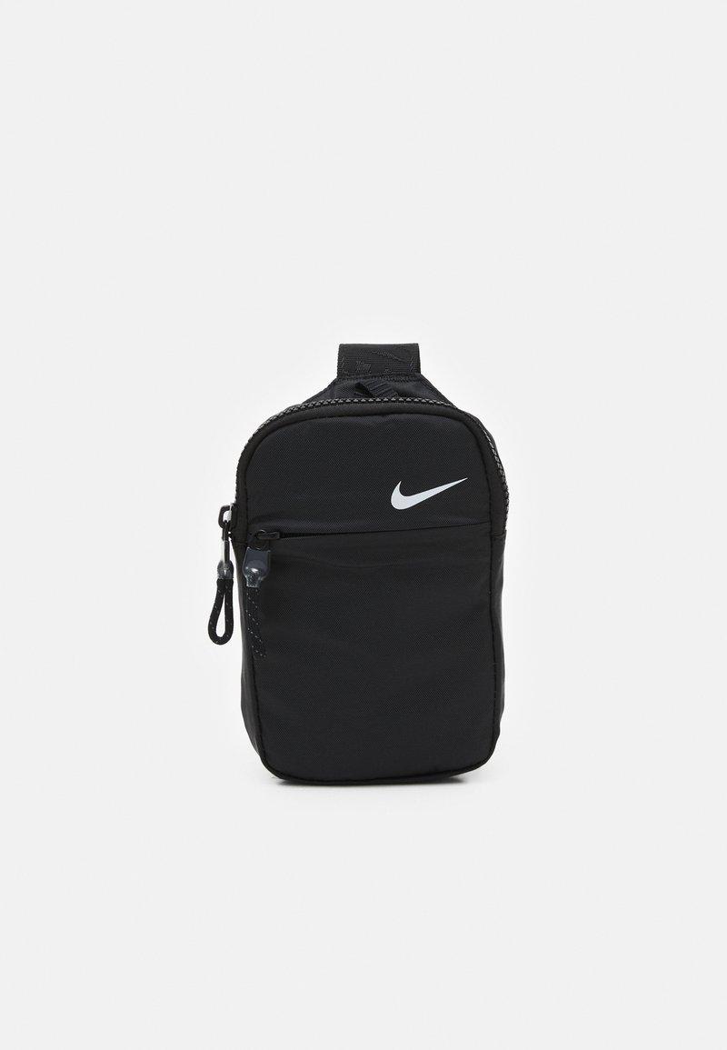 Nike Sportswear - UNISEX - Bandolera - black/iron grey/white