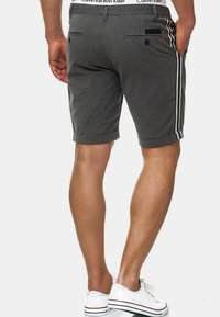 INDICODE JEANS - Shorts - charcoal - 5