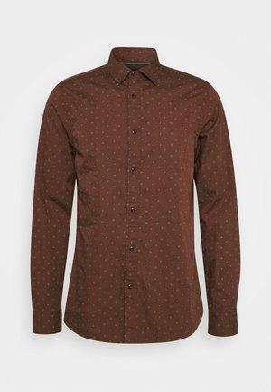 REGULAR FIT - Košile - brown
